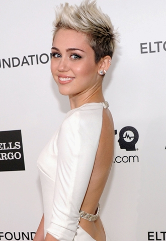 miley cyrus short hair 2013