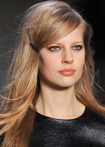 deep side part hair trends