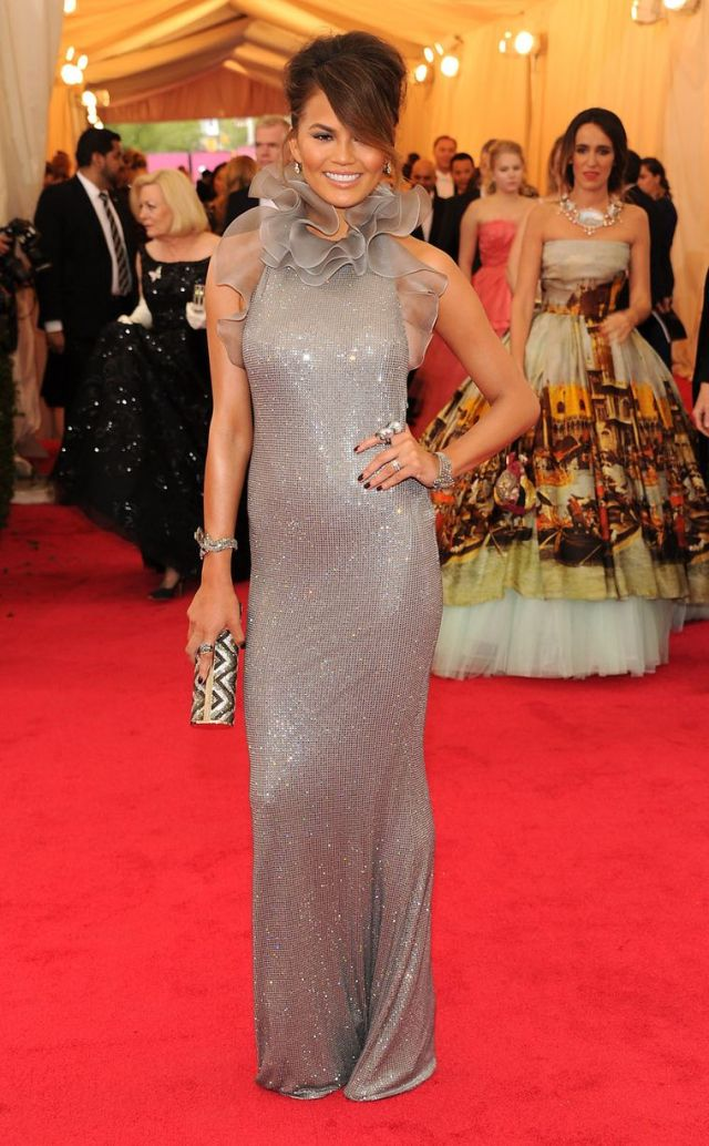 Chrissy-Teigen met gala 2014