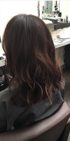 brunette hair color with shoulder length haircut