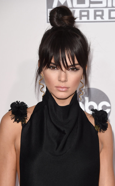 kendall jenner hairstyle 2015 amas top knot