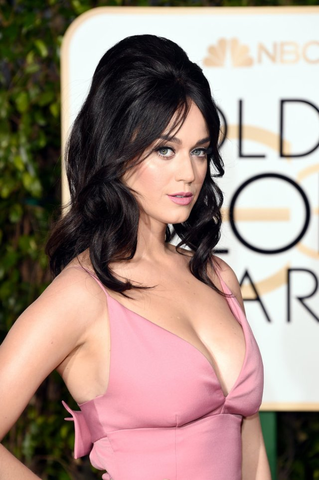 katy perry - 2016 golden globes 60s bouffant hair