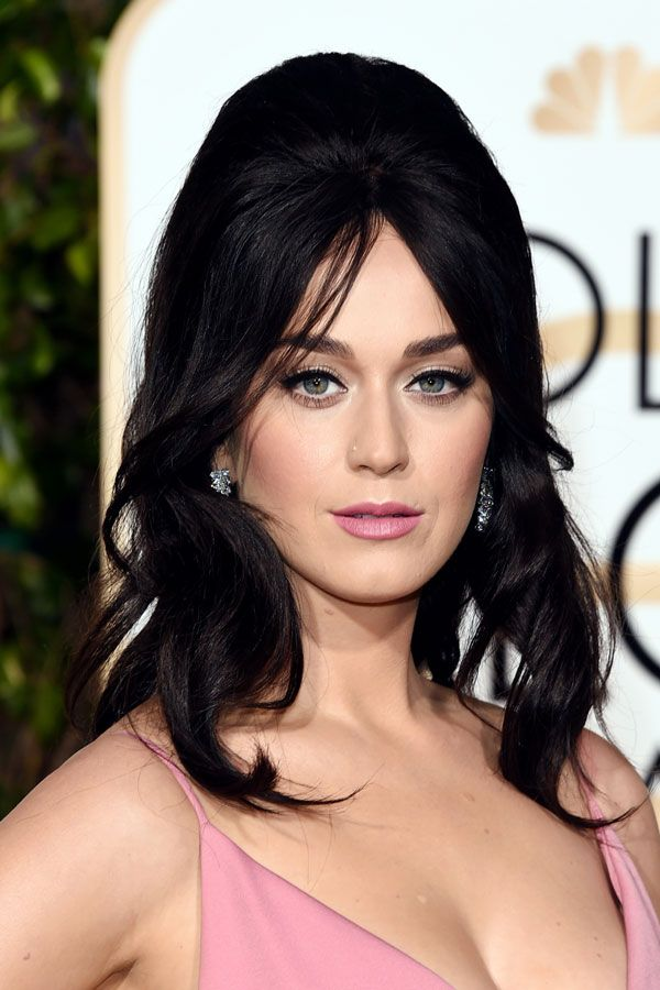 katy perry - 2016 golden globes 60s bouffant hairstyle
