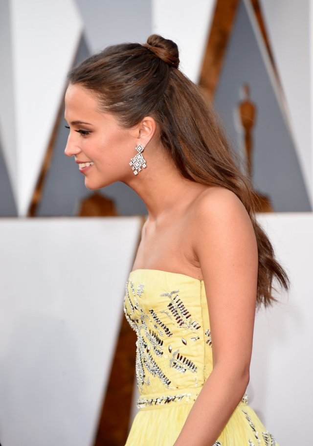alicia vikander - 2016 oscars hair