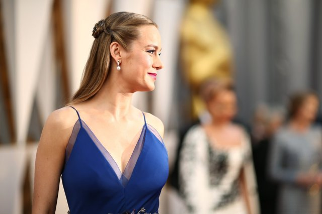 brie larson hair and makeup 2016 oscars