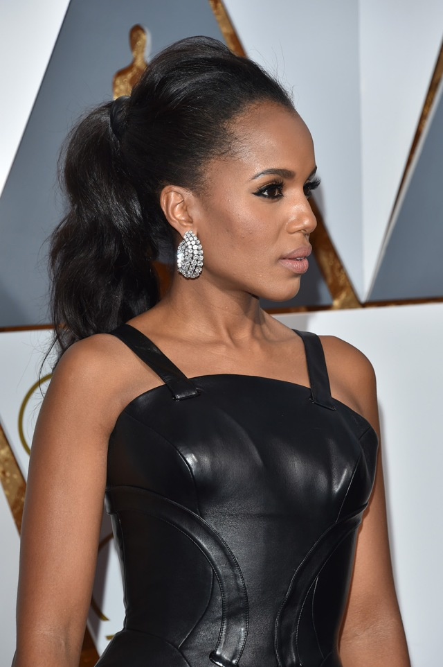 HOLLYWOOD, CA - FEBRUARY 28: Actress Kerry Washington attends the 88th Annual Academy Awards at Hollywood & Highland Center on February 28, 2016 in Hollywood, California. (Photo by Lester Cohen/WireImage)